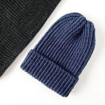 шапочка джинсового цвета